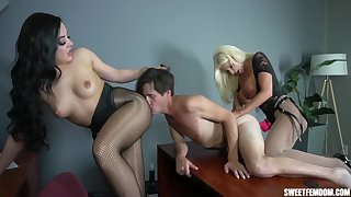 Double Pegging In The Office - Britney Amber, Whitney Wright And Brittany Andrews